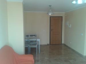 REF081-salon