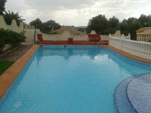 REF085-piscina