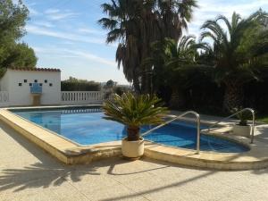 REF090 - piscina