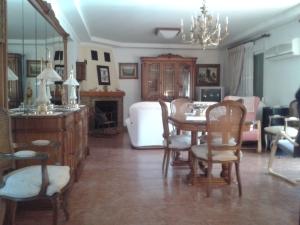 REF090 - salon
