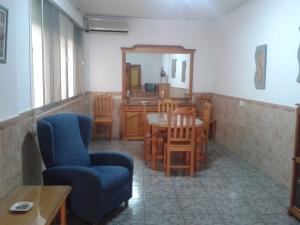 REF100-salon